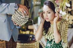 Now we're talking some glamour Javanese wedding. we're so excited get to share the photos of Chacha and Dico's wedding. This fabolous c. Fairmont Jakarta, Javanese Wedding, Kebaya, Fresh Flowers, Flower Art, Wedding Ceremony, Dream Wedding, Glamour, Photography