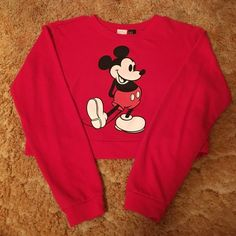 Forever21 Sweatshirt Cropped red Mickey Mouse, size medium, sweatshirt Forever 21 Tops Sweatshirts & Hoodies