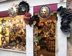The Top 10 Free Things to Do in Venice: Window Shopping