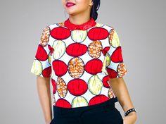 Top imprimé africain col claudine par Holabela pour Afrikrea. https://www.afrikrea.com/article/top-a-col-claudine-hauts-t-shirts-debardeurs-rouge-pour-elle-wax/FZSVTX2?utm_content=buffer83707&utm_medium=social&utm_source=pinterest.com&utm_campaign=buffer