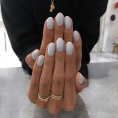 Neue Strickmode 2020 - Fashion Bloge : De 15 manicure trends voor deze winter 20202020 planity le mag #Neue #Strickmode #2020 Short Nails, Long Nails, Cute Nails, Pretty Nails, Hair And Nails, My Nails, Dark Nails, Nagellack Trends, Nail Polish
