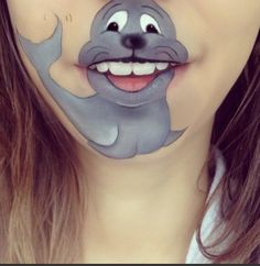 Just Wait 'Til You See What This Artist Does With Her Mouth