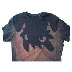 Upside down Toothless from How to Train Your Dragon t-shirt (women's) ❤ liked on Polyvore featuring tops, t-shirts, faded shirt, faded t shirts, blue t shirt, blue tee and i love t shirts