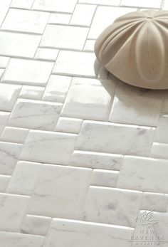 Versailles Carrara pattern