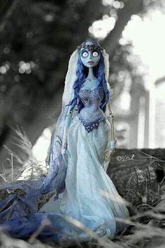 Tim Burton\'s Corpse Bride Emily inspired Coffin shaped Engagement ...