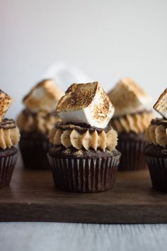 Toasted S'mores Cupcakes