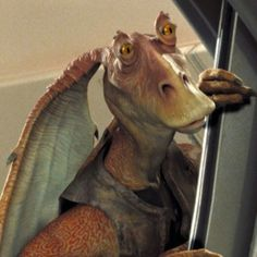 Star Wars: Episode I - The Phantom Menace Jar Jar Binks is a fool, but he is also a hero that is his character in the story, the way people hat him is irrational Star Wars Quiz, Star Wars Film, Star Wars Characters, Star Wars Episodes, Star Wars Bad Guys, Jar Jar Binks, Star Wars Jar Jar, Bodhi Rook, Star Wars Pictures