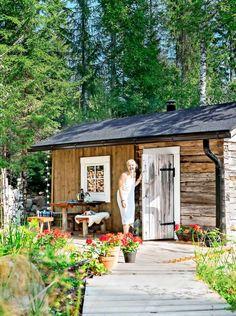 Vanha hirsisauna Keski-Suomessa   Meillä kotona Outdoor Sauna, Dream Decor, Boho Decor, My Dream, Chata, Gazebo, Garden Design, Cottage, Outdoor Structures