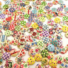 15mm 100pcs Mixed Round Pattern 2 Holes Wood Buttons Sewing Scrapbooking