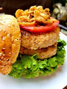 Baked Chicken Burger Burger Recipes, Grilling Recipes, Crockpot Recipes, Cooking Recipes, Healthy Recipes, Cooking Ideas, Keto Recipes, Blackened Chicken Seasoning, Summer Drink Recipes