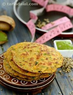 With humble origins as a simple, homely breakfast in South India, the uttappa has now become famous all over the world, because it lends itself to so much innovation. Here is yet another variant, made with whole bajra and its flour. Vegetables like carrots and onions lend a nice crunch to this sumptuous dish, while coriander, lemon juice, etc., team up to perk up the flavour and aroma.  Serve the Bajra, Carrot and Onion Uttapa fresh off the tava with healthy green chutney.