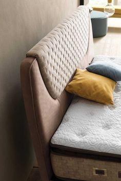 Upholstered Headboards, Headboards For Beds, Gate House, Cots, Sofa Upholstery, Print Print, Interior Designing, Bambi, Bed Design