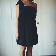 Black One Shoulder Dress This dress has a silky texture for a vibe that's both casual/cool and sexy. It has a ruffled fabric detail in the front.  Very rarely worn. Excellent used condition. Volcom Dresses One Shoulder