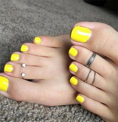 Beautiful feet jewelry designs 2019 Women's feet jewelry, toe rings, anklets, feet outfits, female feet & more. Pretty Toe Nails, Cute Toe Nails, Pretty Toes, Toe Nail Art, Nice Toes, Summer Toe Nails, Feet Nails, Beautiful Toes, Toe Nail Designs