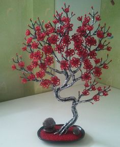 Красное деревце