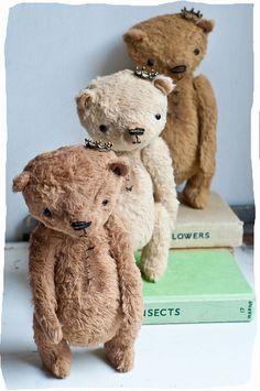 Three Little Valentine Princes Old Teddy Bears, Antique Teddy Bears, My Teddy Bear, 3 Bears, Cute Bear, Teddy Toys, Little Valentine, Valentines, Bear Doll