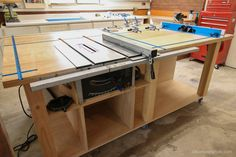 Table Saws DIY Router Table and Table Saw Workbench Building Plan Diy Router Table, Table Saw Workbench, Workbench Plans, Woodworking Workbench, Woodworking Furniture, Woodworking Crafts, Garage Workbench, Mobile Workbench, Woodworking Workshop