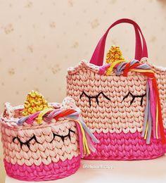 Crochet Basket Pattern, Knit Basket, Crochet Patterns, Crochet Pouch, Crochet Purses, Crochet Home, Knit Crochet, Kawaii Crochet, Crochet T Shirts