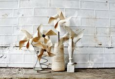Book Page Pinwheel Tutorial + 18 more projects you can create with book pages!  ~~via KnickofTimeInteriors.blogspot.com