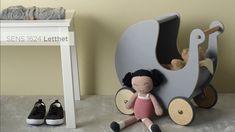 Mal børneværelset med trygge og smukke farver Barnet, Egg Chair, Bookends, Nursery, Kids Rugs, Interior, Painting, Inspiration, Furniture