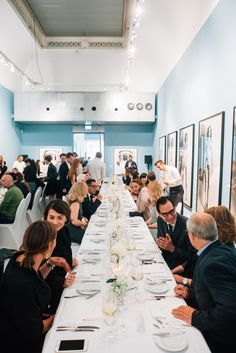 Dinner at Foam Fotografiemuseum Amsterdam in one of the exhibition rooms. Exhibition Room, Tree Branches, Amsterdam, Art Pieces, Table Settings, Rooms, Table Decorations, Dinner, Home Decor