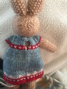 Ravelry: ksg926's Christmas Dress Knitted Bunnies, Bunny Rabbits, Knitted Animals, Little Cotton Rabbits, Friend Outfits, Stuffed Toys, Ravelry, Knit Crochet, Knitting Patterns