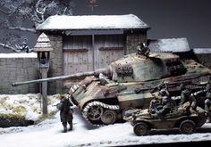1/35 Tiger ll Tank & Monroe Perdu Wall by Michael Rinaldi, Man Jin Kim & Sang-Eon Lee (Figures)