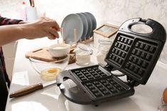 6 étel, amit gofrisütőben is elkészíthetsz Waffle Recipes, Copycat Recipes, Cake Recipes, Golden Malted Waffle Recipe, Frozen Waffles, Sifted Flour, Waffle Iron, Cake Flour, Breakfast Dishes