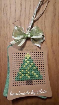 Cross Stitch House, Cross Stitch Cards, Cute Cross Stitch, Cross Stitch Designs, Cross Stitching, Cross Stitch Embroidery, Cross Stitch Patterns, Cross Stitch Christmas Ornaments, Christmas Tree Pattern