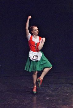 Green skirt with red vest Irish Jig, Red Vest, Dancing, Pride, Costumes, Board, Green, Skirts, Outfits
