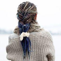 By Going to dye my hair soon, should I go towards pink or towards green? Braided Dreadlocks, Dread Braids, Locs, Gypsy Winter, Dreadlock Accessories, Wool Dreads, Hippie Hair, Synthetic Dreads, Dreadlock Hairstyles