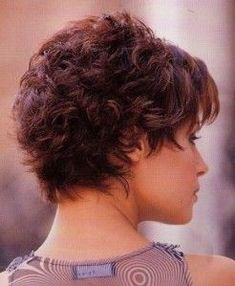 Incredible short hairstyles with layers!*** Please take time for these short hairstyles with layers! You are unbelievable … - Hair ModelsSo close to my dream cut!Backside of my wedding hair from have wavy, curly or curly hair! Short Choppy Hair, Short Sassy Hair, Short Curly Haircuts, Short Hair With Layers, Curly Hair Cuts, Cute Hairstyles For Short Hair, Short Hair Cuts For Women, Curly Hair Styles, Bob Hairstyles