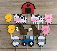 Let's Party – Farm and Country Theme – Building Our Happily Ever After Farm Cupcake Toppers. Cow Birthday, Farm Animal Birthday, Backyard Birthday, Girl First Birthday, The Animals, Farm Cupcake Toppers, Birthday Balloons, Birthday Parties, Bumble Bee Cupcakes