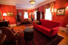 The Roosevelt Room at the Historic Rosemont Inn of Virginia