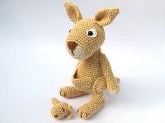 Känguru+mit+Baby+Häkelanleitung+/+Amigurumi+von+DioneDesign+auf+DaWanda.com