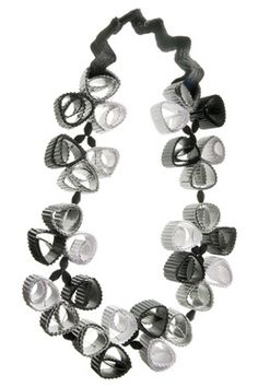 'quilling necklace'
