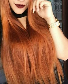 Hairstyle, color and length.