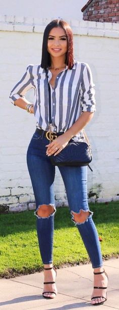 #spring #outfits  woman in gray and white striped long-sleeved shirt wearing black leather sling bag. Pic by @dianachantel
