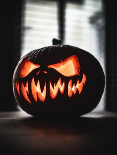 Halloween Pumpkin Carving Jack-o-Lantern Art Craft Creativity Scary