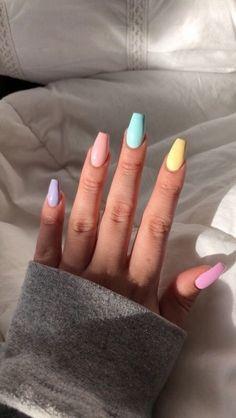 nail art designs with glitter - nail art designs . nail art designs for spring . nail art designs for winter . nail art designs with glitter . nail art designs with rhinestones Aycrlic Nails, Glitter Nails, Nail Nail, Kylie Jenner Nails, Top Nail, Stiletto Nails, Nail Tech, Opal Nails, Pointed Nails