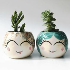 Advantages of Using Pottery for Interior Design Painted Clay Pots, Painted Flower Pots, Clay Pot Crafts, Cement Crafts, Ceramic Design, Ceramic Art, Small Flower Pots, Pottery Painting Designs, Ceramic Planters