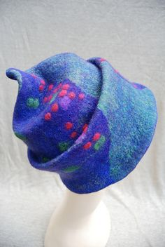 Felt hat by sassafrasdesign, via Flickr