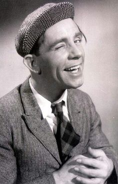 Sir Norman Wisdom English actor, comedian and songwriter. Appeared in a series of comedy films from 1953 to British Comedy, British Actors, American Actors, Comedy Actors, Actors & Actresses, Norman Wisdom, Classic Comedies, Funny People, Funny Men