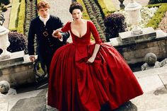 'Outlander': 5 Burning Questions Going Into Season 2 The epic time-traveling series returns April 9 on Starz -- Sam Heughan as Jamie Fraser and Caitriona Balfe as Claire Fraser in 'Outlander' Season 2...