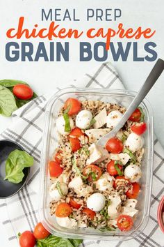 Simple ingredients and a few minutes are all you need to meal prep these healthy grab-and-go Caprese Chicken Quinoa Bowls! Simple ingredients and a few minutes are all you need to meal prep these healthy grab-and-go Caprese Chicken Quinoa Bowls! Easy Healthy Meal Prep, Good Healthy Recipes, Lunch Recipes, Healthy Snacks, Healthy Eating, Simple Meal Prep, Simple Healthy Lunch, Simple Meal Ideas, Healthy To Go Meals