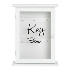"""Schlüsselkasten """"Lemgo"""": Platz für 6 Schlüssel Dieser romantische Schlüsselkasten sorgt für System im Eingangsbereich! Nutze die 6 Haken ganz nach individuellem Wunsch. So hast du den Schlüssel für Keller, Garage, Dachboden und Auto jederzeit griffbereit. Der Kasten in Weiß passt zu verschiedenen Einrichtungsstilen und erhält durch den Schriftzug einen ansprechenden Akzent!"""