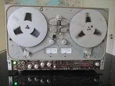 Special rare unknown Reel to Reel recorder. Has anyone details about this device?