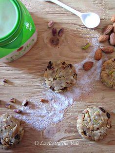 Biscotti alle mandorle, pistacchi e uvetta (senza glutine, senza lattosio e senza zucchero saccarosio) - La ricetta che Vale