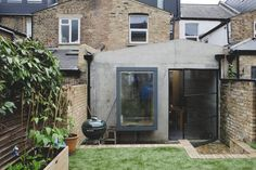 Freunde von Freunden: Simon Astridge's Plywood house in Balham, South London. Plywood House, Glass Extension, Modern Cottage, Indoor Outdoor, Outdoor Decor, Home Projects, Cool Furniture, Interior And Exterior, House Design