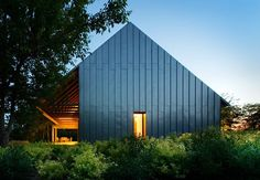 We've noticed a trend in architecture: houses are going dark. All-black houses aren't for the Addams Family anymore - all the cool kids are doing it.
